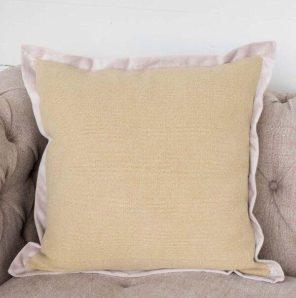 pillow maze